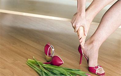 Penyabab plantar fasciitis karena sepatu